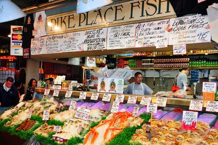 Pike Place vis markt in Seattle, USA  Redactioneel
