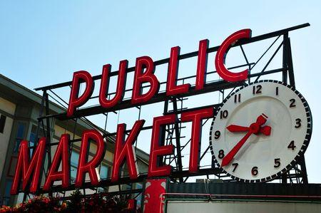 Pike Place Market teken met grote klok in de avond, Seattle, Verenigde Staten