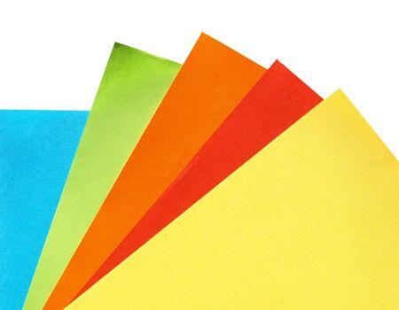 color�: Feuilles de papier color� (rouge, jaune, orange, vert, bleu)
