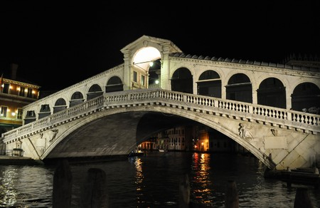 ponte: Ponte di Rialto bridge in Venice (Venezia), Italy