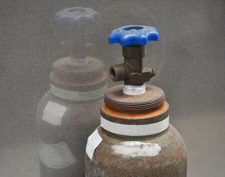 gas cylinder: Tanque recipiente de presi�n del cilindro de gas industrial para almacenar gases a la presi�n atmosf�rica