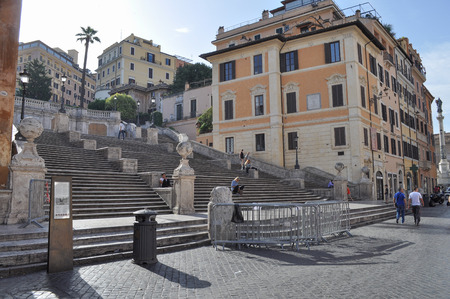 Spagna: ROME, ITALY - JUNE 24, 2014: Tourists visiting the Piazza di Spagna Trinita dei Monti Rome Italy Editorial