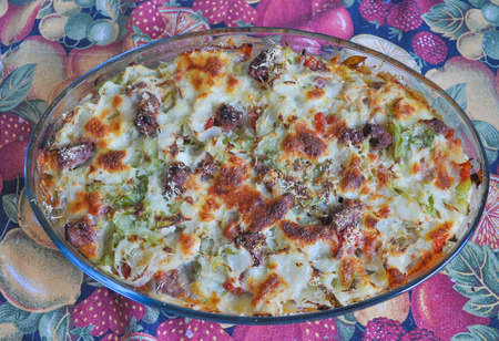 sausage pot: Bread cabbage and sausage flan in a glass pot