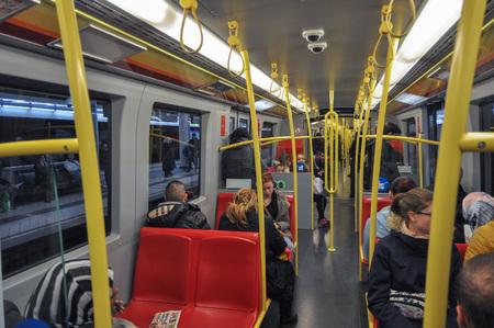 wien: WIEN, AUSTRIA - CIRCA FEBRUARY 2016: Travellers in subway train