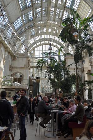 wien: WIEN, AUSTRIA - CIRCA FEBRUARY 2016: The Palmenhaus Schoenbrunn is a large greenhouse