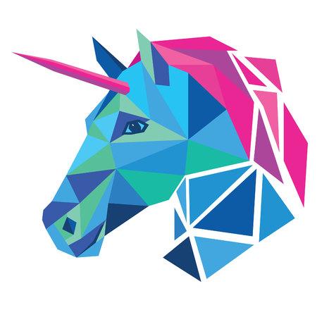 testa Unicorn low poly design illustrazione vettoriale isolato su sfondo bianco.
