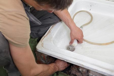 desague: Comprobaci�n de drenaje en el ba�o con ducha fontanero