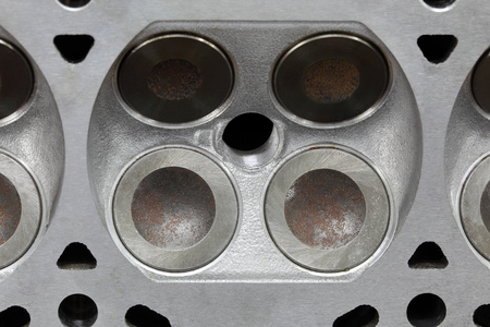 Service of car engine cylinder head, four valve construction Stock fotó