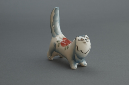 Figure porcelain cat. Stock Photo - 17125048