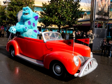 Sully from monsters inc, Disneys stars and cars parade, Diisneyland Paris, France, 2012