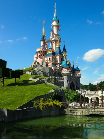 disney: sleeping beautys castle at Disneyland Paris