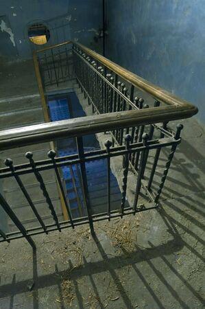 backstairs: Vecchio Backstairs nella costruzione di appartamento