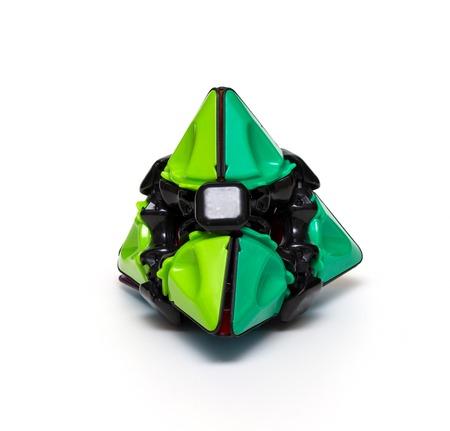 Rubikspiramide geïsoleerd Stockfoto