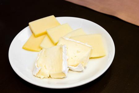 different types of cheese: Different types of cheese on dish