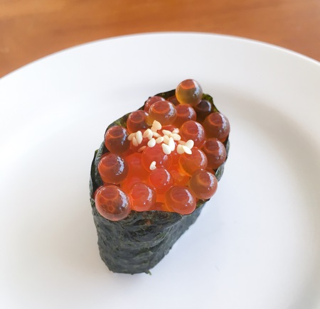 Japanese cuisine salmon roe Sushi, ikura