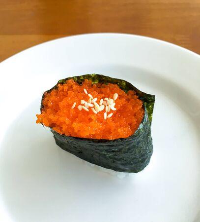 japanese food ebiko gunkan maki