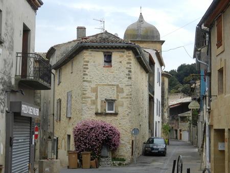 luberon: Merindol, Luberon, Provence, France Editorial