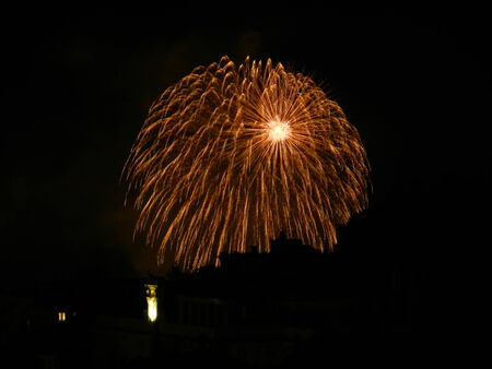feestelijke opening: Vuurwerk voor Tiara schip Costa inauguratie, Genua, Italië