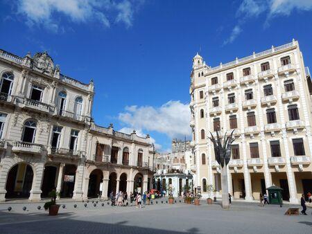 plaza: Plaza Vieja, Havana, Cuba Editorial