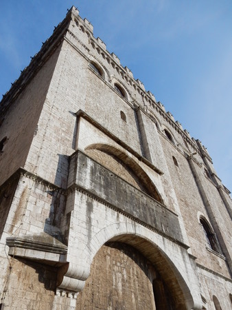grande: Palazzo dei Consoli, the Piazza Grande, Gubbio, Umbria, Italy