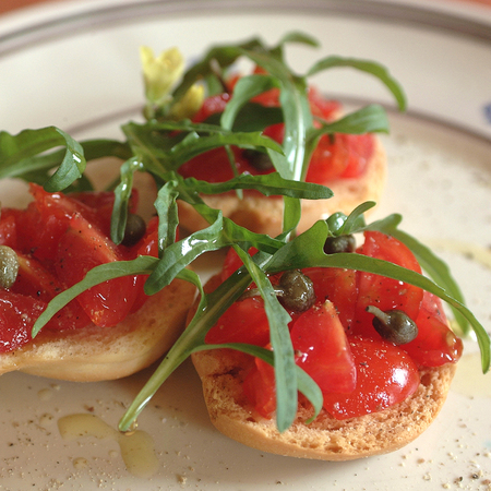 Frisella with tomatoes  Banque d'images