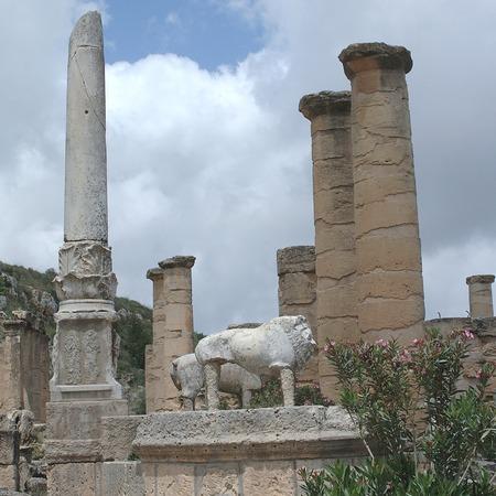 Cirene, Libia - 13 maggio 2002: Antiche rovine a Cirene Archivio Fotografico - 93107237