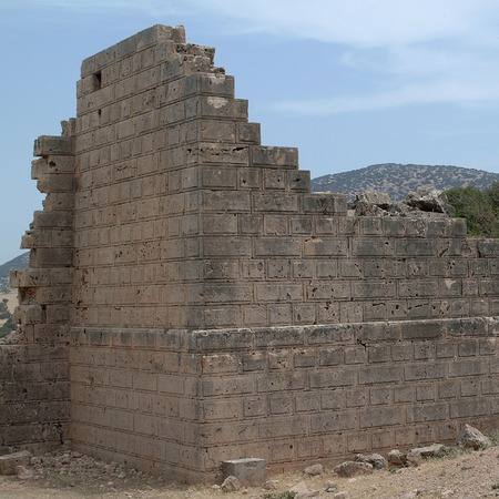 Tolemaide, Libya - May 10, 2002: Ancient ruins in Tolemaide Archivio Fotografico - 93347654