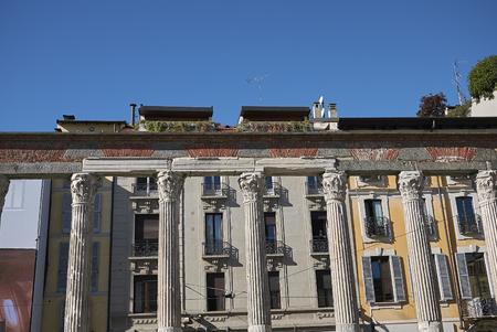 Milão, Itália - 23 de outubro de 2017: Colunas de San Lorenzo Foto de archivo - 93500037