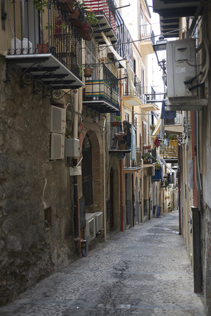 Cefalu, Italy: View of the streets of Cefalu Imagens