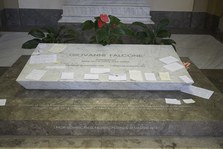 Palermo, Italy - September 07, 2018 : Giovanni Falcone tomb in the Church of Saint Dominic Archivio Fotografico - 119314820