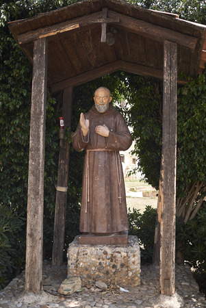Palermo, Italy - September 06, 2018 : Padre pio statue Banco de Imagens