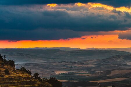 Wonderful Sicilian Landscape at Sunset During a Cloudy Day, Mazzarino, Caltanissetta, Sicily, Italy, Europe Zdjęcie Seryjne