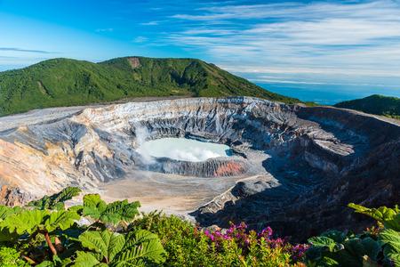 Vulcano Poas in Costa Rica 版權商用圖片