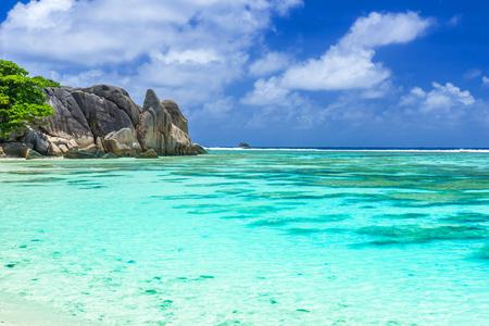 Anse Source d'Argent - Beautiful beach on tropical island La Digue in Seychelles Stok Fotoğraf - 83145214