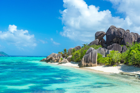 Anse Source d'Argent - Beach on island La Digue in Seychelles Imagens