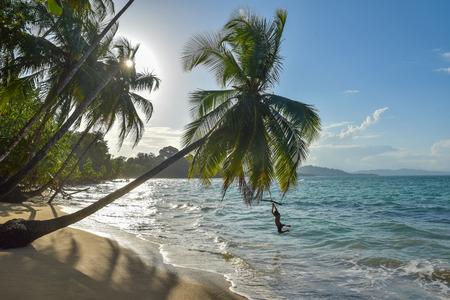 야생 및 아름 다운 카리브 해안 코스타리카에서 푼 타 Uva 비치 스톡 콘텐츠