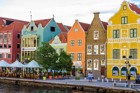 Colorful Buildings in Willemstad downtown, Curacao, Netherlands Antilles,  a small Caribbean island - travel destination for cruise ships or vacation 新聞圖片
