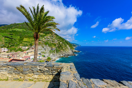 Vernazza Village at Cinque Terre National Park - View from castle to beautiful coast and village of Luguria, Italy Stockfoto