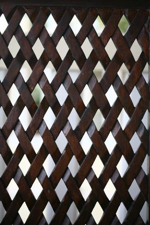 tabique: Modelo del diamante en la superficie de madera de reparto