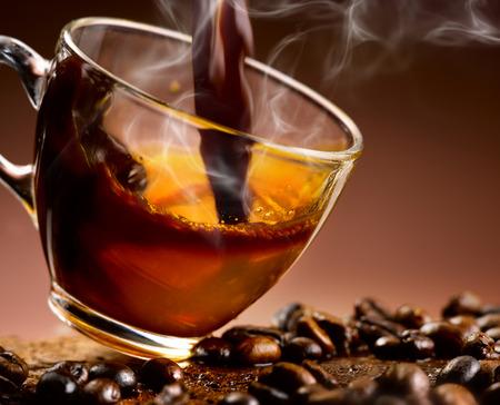 Kaffee  Standard-Bild - 27856383