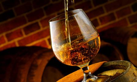 Glas Brandy Probe im Keller Standard-Bild - 27864674