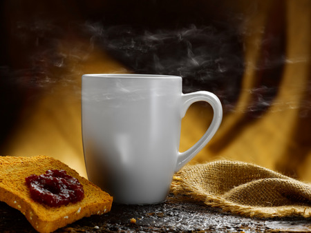 Milch und Kaffee Standard-Bild - 34683625