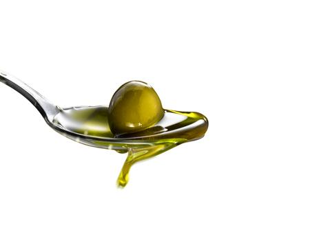 Natives Olivenöl extra Standard-Bild - 70851073