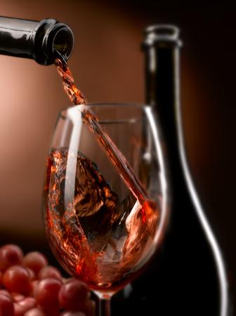 Ausgezeichneter handwerklicher Wein in all seinen Formen Standard-Bild - 93013039