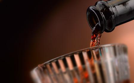 Ausgezeichneter handwerklicher Wein in all seinen Formen Standard-Bild - 93013040