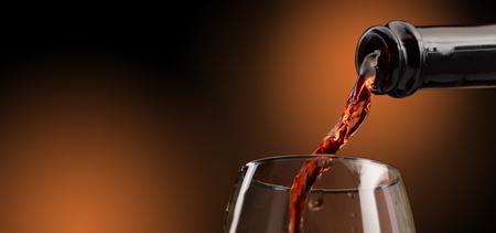 Ausgezeichneter handwerklicher Wein in all seinen Formen Standard-Bild - 93068449