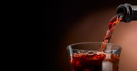 Ausgezeichneter handwerklicher Wein in all seinen Formen Standard-Bild - 92875120
