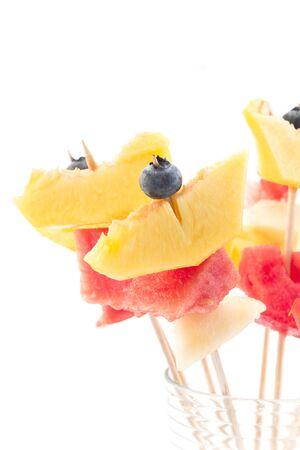 brochetas de frutas: Pinchos de la fruta refrescante - Bar de la fruta.