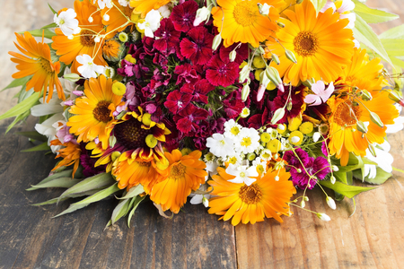 Fresh Bouquet of Spring Flowers. Imagens