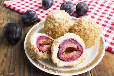 Plum Dumplings , Delicious and Juicy. Standard-Bild - 106148878